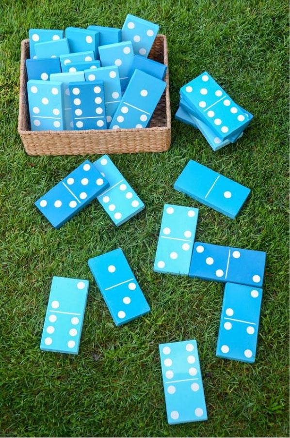 blue-dominoes